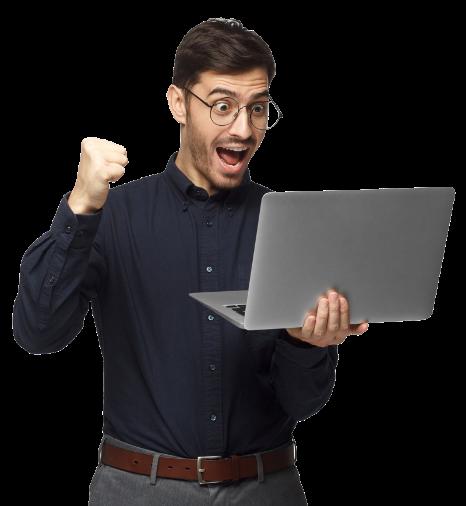 person sosteniendo laptop